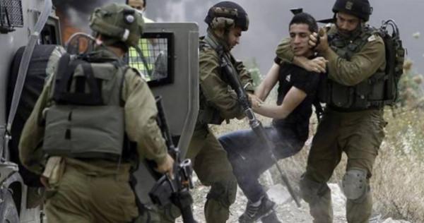 قوات الاحتلال تعتقل سبعة مواطنين بالضفة الغربية