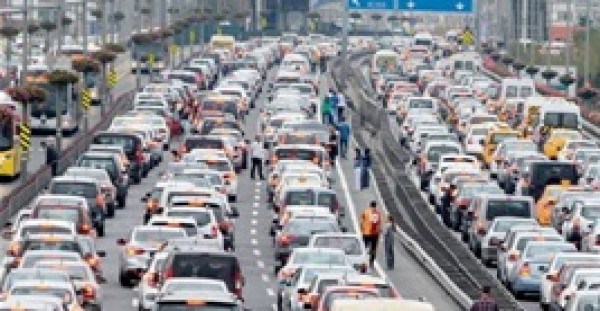 أسوأ 10 دول في قيادة السيارات بالعالم