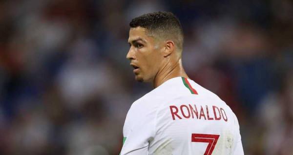 """رغم إنجاز البرتغال.. رونالدو """"غاضب"""" والجماهير تستفزه بهتاف"""