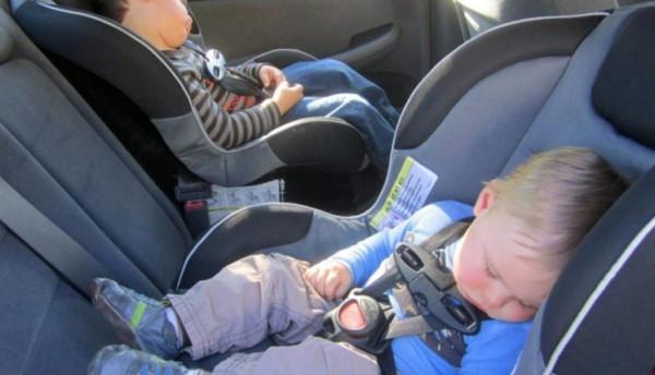 اختراع طال انتظاره.. وداعاً لمقتل الأطفال داخل السيارات