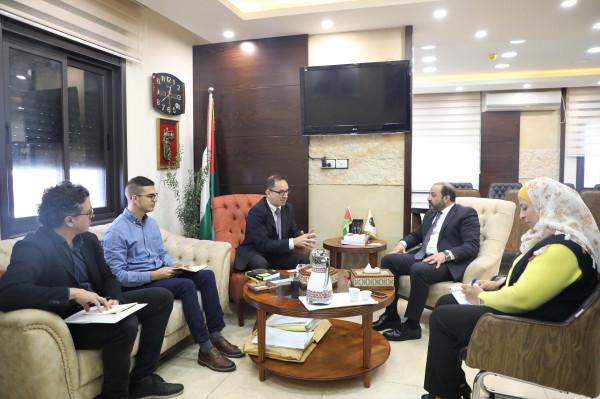 النائب العام يَبحث مع وفد من منظمة العفو الدولية التعاون المشترك