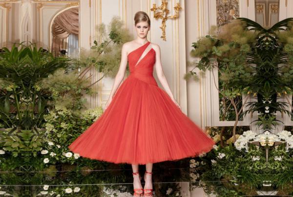 فساتين خطوبة متوسطة الطول لعروس 2020