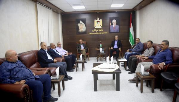 محافظ طولكرم يجتمع مع ممثلي فصائل العمل الوطني