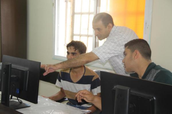 تطبيقات الهواتف الذكية في ذكور عزون الثانوية نافذة جديدة للتعليم المهني والتقني