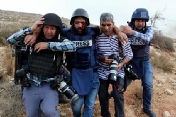 اتحاد المصورين العرب فرع فلسطين يُدين الاعتداء على الصحفي معاذ عمارنة