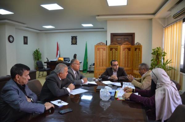 نائب محافظ الاسماعيلية يستعرض الموقف التنفيذى للمشروعات الإنشائية للمدارس الجديدة