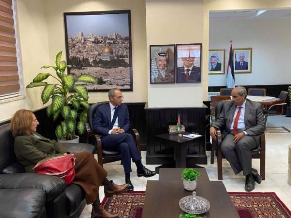 وزير الأشغال والقنصل الإيطالي يبحثان استمرارية التعاون بالمشاريع التي تخص قطاع غزة