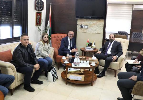 النائب العام يلتقي الناطق الاعلامي باسم وزارة الداخلية