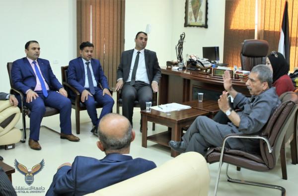الهيئة الفلسطينية لحملة الدكتوراة بالوظيفة العمومية تعقد اجتماعاً مع الطيراوي