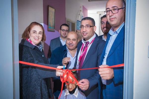 """""""بنك فلسطين"""" و""""عطاء فلسطين الخيرية"""" يفتتحان مكتبة أطفال نموذجية غرب رام الله"""