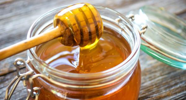على عكس الشائع عنه.. العسل قد يتلف أيضا لهذه الأسباب