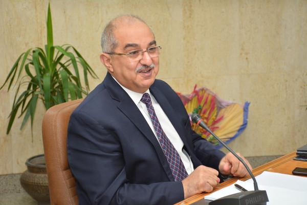 رئيس جامعة أسيوط يعين 12 رئيس قسم جديد بكليات الجامعة