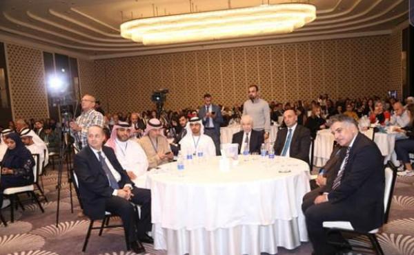 أبوغزاله يدعو لإيجاد معايير وقوانين واضحة للاحترافية في وسائل الإعلام الاجتماعي