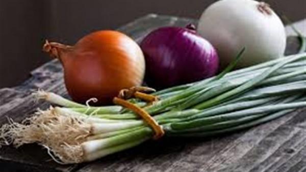 ماذا يحدث لجسمك عند تناول البصل؟