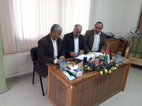 """""""منتدى التواصل"""" و""""تطوير المؤسسات الأهلية"""" يوقعان اتفاقية لتنفيذ منحة مشروع غزة الطارئ"""