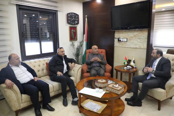 النائب العام يبحث التعاون المشترك مع المفوض السياسي العام لدولة فلسطين