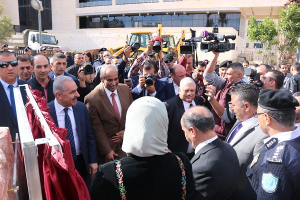 الأشغال العامة تُنجز كافة الأعمال الإنشائية للحديقة الدوليّة في رام الله والبيرة