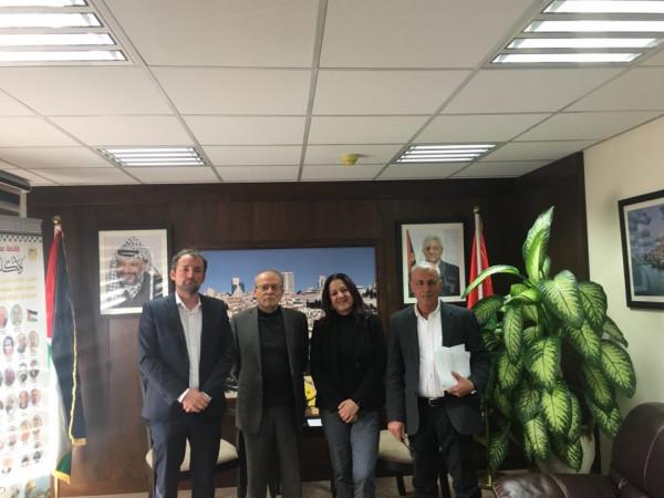 هيئة الأسرى والصليب الأحمر يعقدان اجتماعا طارئا بخصوص الاسير ابو دياك