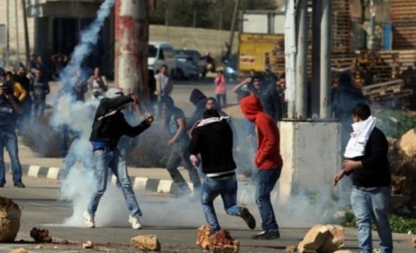 إصابات بالاختناق خلال مواجهات مع الاحتلال في بيت أمر بالخليل