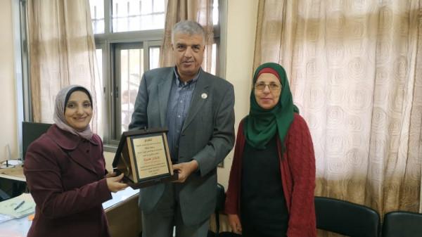 جمعية المستهلك تقدم يوما توعويا في مدرسة أبو شخيدم عن المنتجات الفلسطينية
