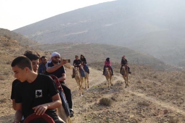 مركز مدى الإبداعي يقيم معسكراً شبابياً في الجنوب الفلسطيني