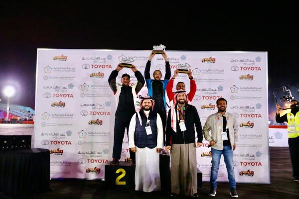 المتسابق زكريا سلوان يتوج بالمركز الأول بالجولة الأولى من بطولة السعودية تويوتا