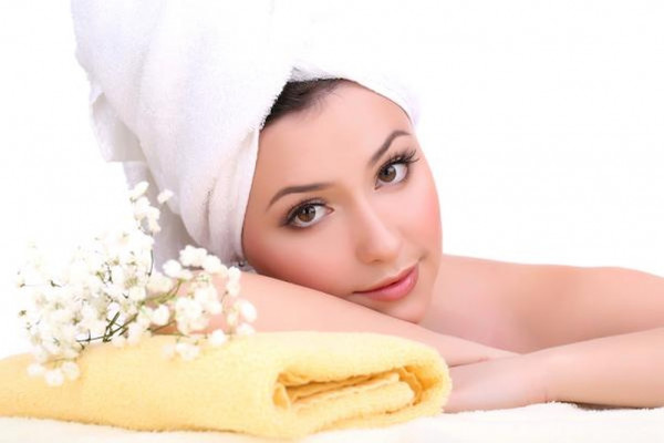 للعروس.. وصفات طبيعية لتفتيح المناطق الداكنة بالجسم