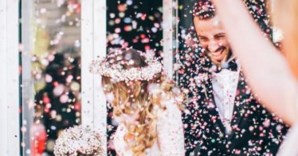 لعروس الشتاء.. 6 أفكار غير تقليدية تضيف لمسة دافئة على زفافك