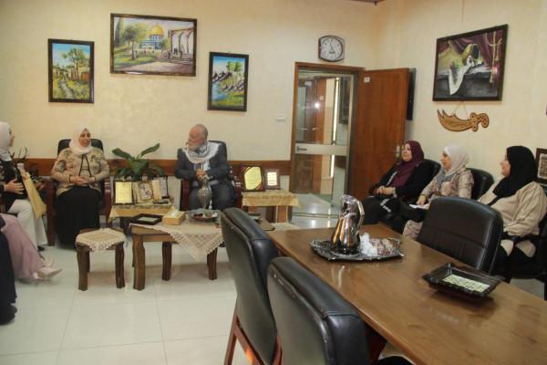 """قلقيلية: مديرعام التربية والتعليم يلتقي مجلس أولياء امور مدرسة بنات """"أبوعلى إياد"""""""