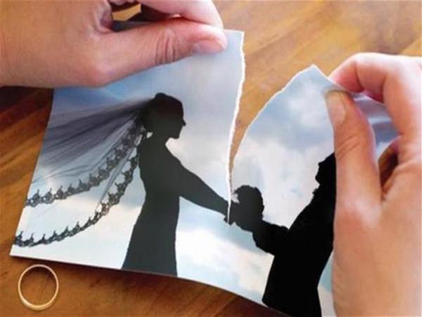 """""""غير عتبة بابك"""".. قصة نبي وصديق وشهيد أمروا أبناءهم بتطليق زوجاتهم"""