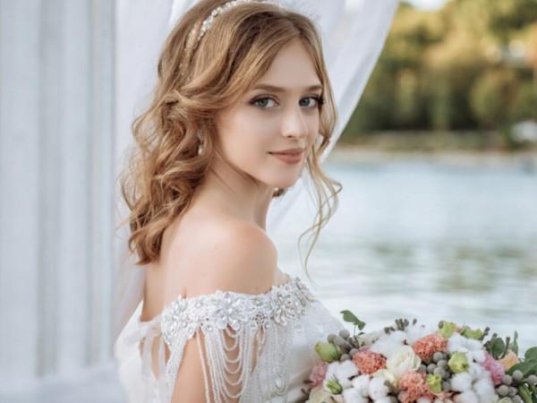 داعية سعودي: يجوز للعروس أن تتيمم حفاظاً على مكياجها
