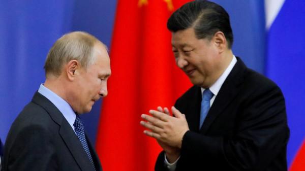 """روسيا والصين تدشنان أنبوب غاز """"تاريخياً"""""""