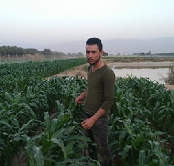 """طالب من """"القدس المفتوحة"""" يحصل على براءة اختراع عن """"آلة زراعية بيئة متكاملة"""""""