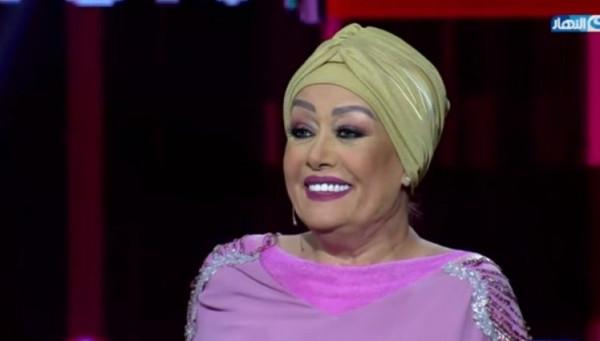 هالة فاخر تفاجئ الجميع وتظهر بدون حجاب في السعودية