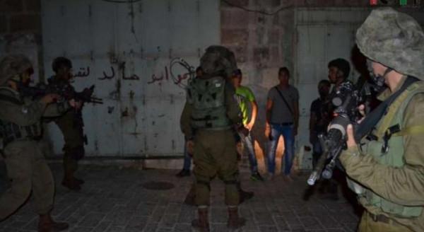 قوات الاحتلال تعتقل أربعة شبان من نابلس