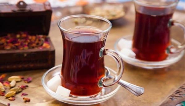 شرط غريب للزواج في أذربيجان.. السكر في الشاي دليل الموافقة على حفل الزفاف
