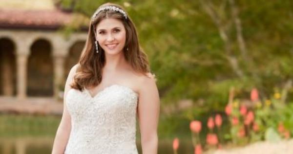 """10 فساتين زفاف عصرية تناسب """"بلس سايز"""" لإطلالة أقل حجمًا"""