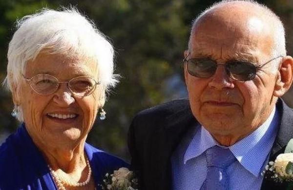 لم يتحمل فراقها.. وفاة زوج بعد يوم واحد من رحيل شريكة حياته