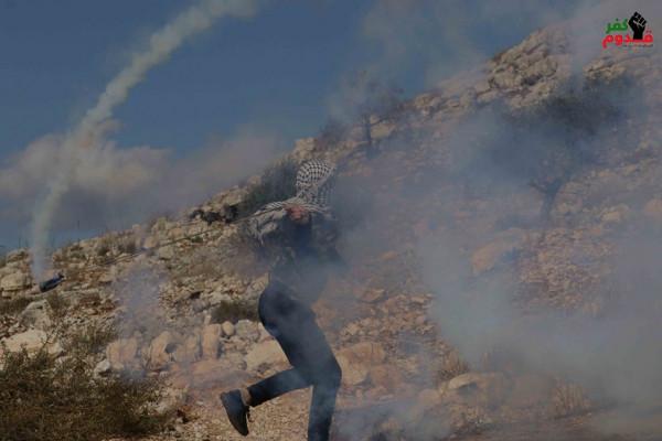 إصابات بالاختناق خلال قمع الجيش الإسرائيلي لمسيرة كفر قدوم الأسبوعية