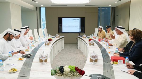 """""""الاقتصاد"""" و""""الإمارات لرعاية الموهوبين"""" يبحثان سبل تعزيز التعاون لدعم المخترعين المواطنين"""