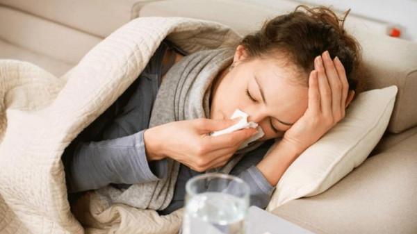6 خرافات شائعة عن نزلات البرد.. لا تصدقها
