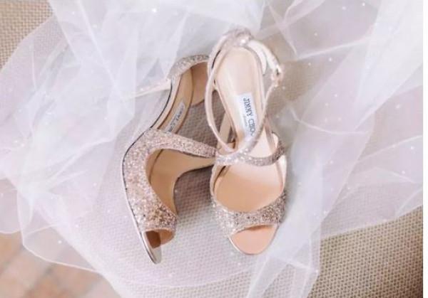 انتبهي إلى هذه الأشياء عند اختيار فستان زفافك