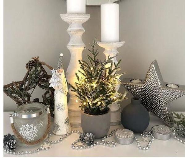 للمساحات الصغيرة.. أفكار رائعة لتزيين منزلك بشجرة الكريسماس