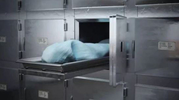 السعودية.. قاتل يرقد إلى جانب ضحيته في ثلاجة الموتى بعد أسبوع من قتله