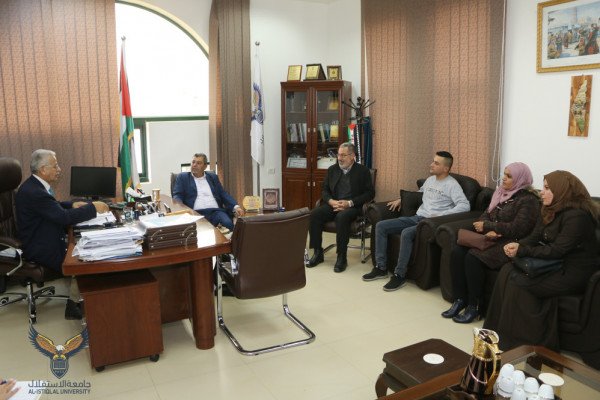 رئيس جامعة الاستقلال يستقبل أمين سر وأعضاء التجمع الوطني لأسر شهداء فلسطين