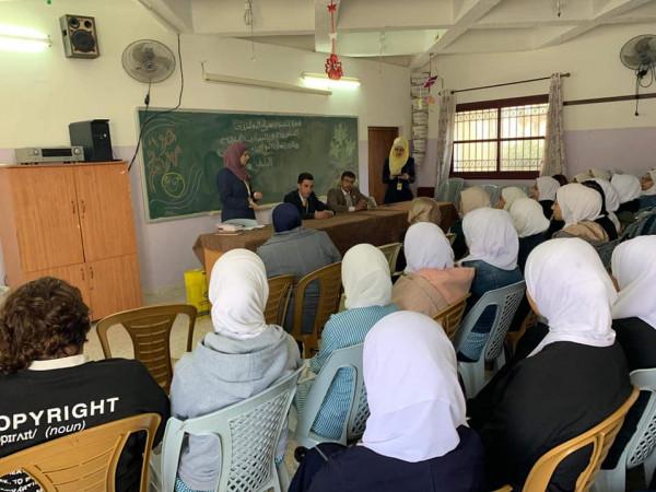 الإسلامي الفلسطيني يعقد محاضرةً حول البنوك الإسلامية في مدرسة في طولكرم
