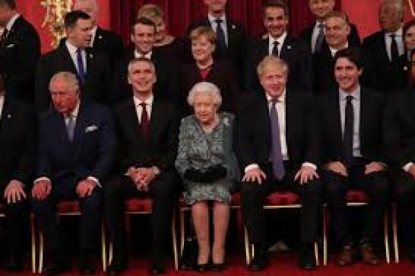 """كاميرات ترصد ردة فعل """"غريبة"""" من ابنة الملكة إليزالبيث خلال استقبال ترامب وزوجته"""