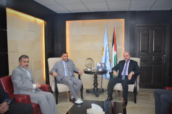 الهباش يستقبل سفير سلطنة عُمان لدى دولة فلسطين
