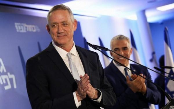 لابيد يتنازل عن التناوب مع غانتس على رئاسة الحكومة الإسرائيلية