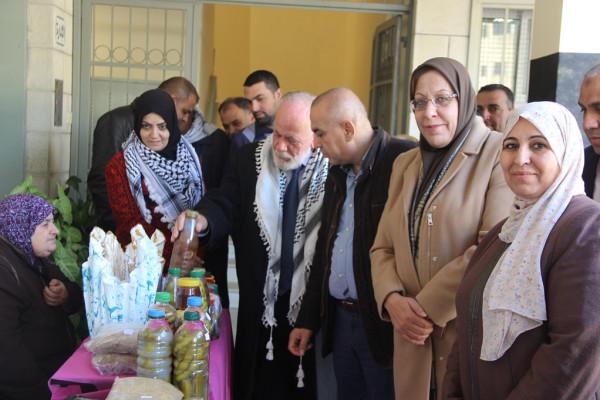افتتاح بازار خيري في مدرسة بنات ابو علي اياد الثانوية